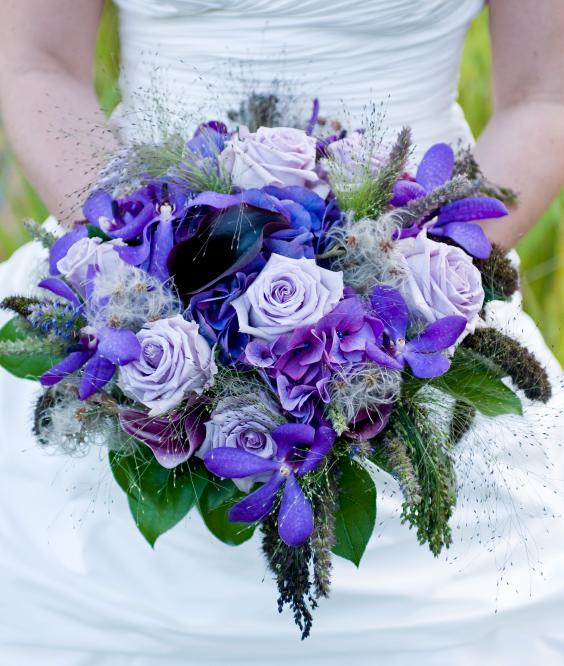 blue rose wedding flower arrangement