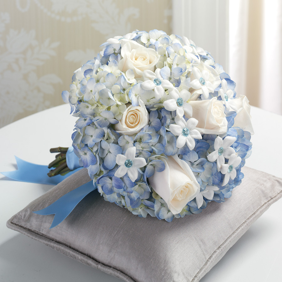 Gorgeous Blue Wedding Flower Arrangements to Inspire You