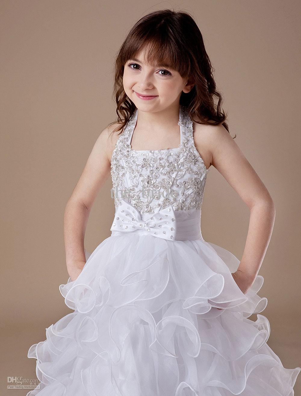 Beautiful wedding dresses for girls sang maestro for Wedding dresses for young girls