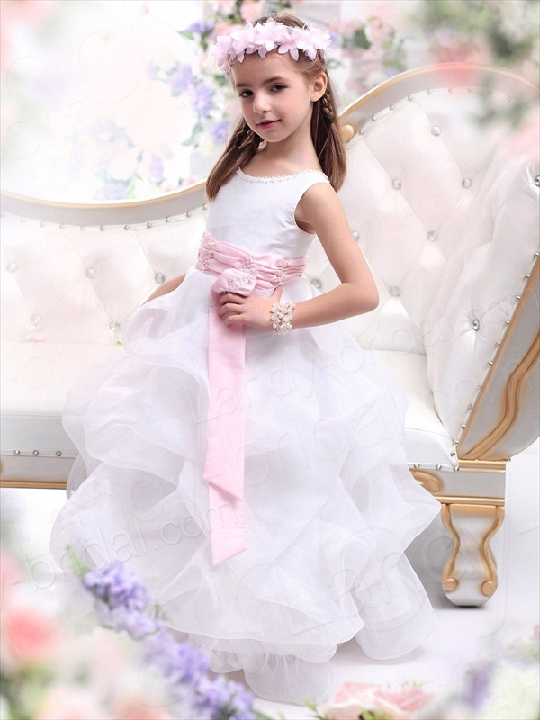 Beautiful wedding dresses for girls sang maestro for Girls dresses for a wedding