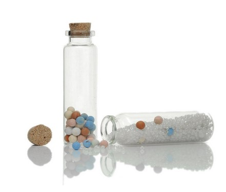 mini clear glass bottle with plastic corkmini clear glass bottle with plastic cork