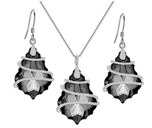 pendant necklace earrings set with black crystals