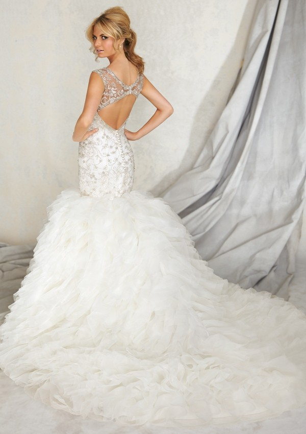 mermaid tulle wedding dress with scoop chapel train