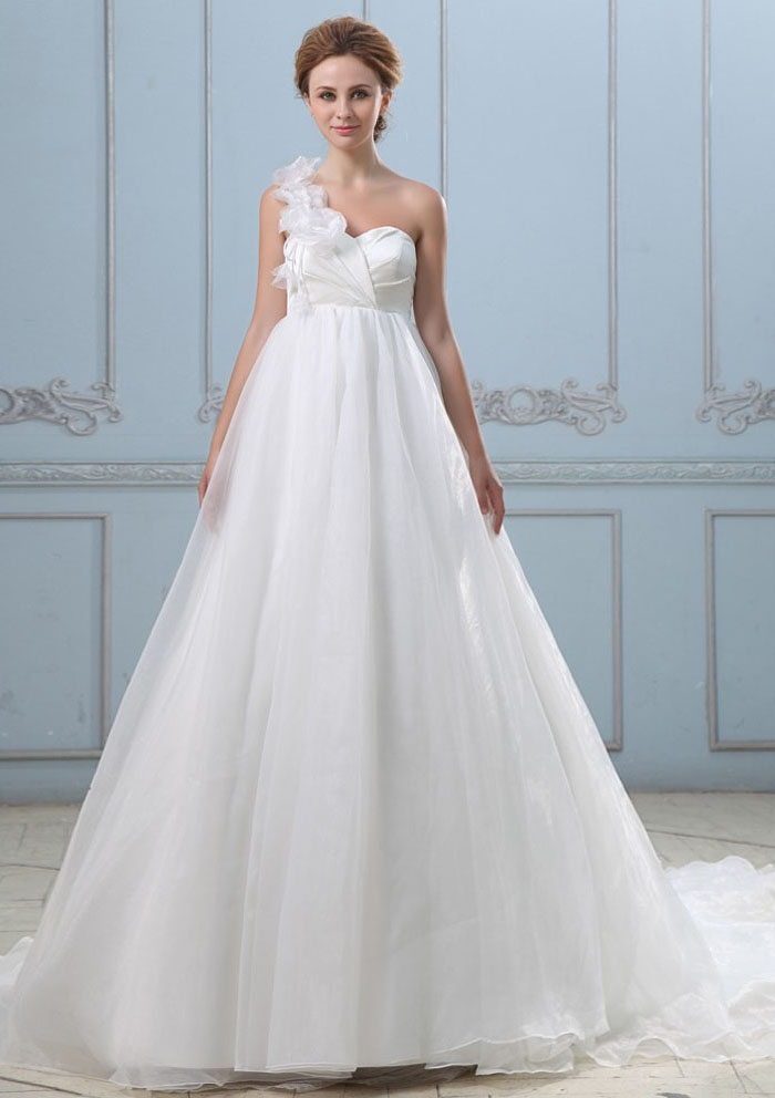 one shoulder wedding dress for pregnant bride