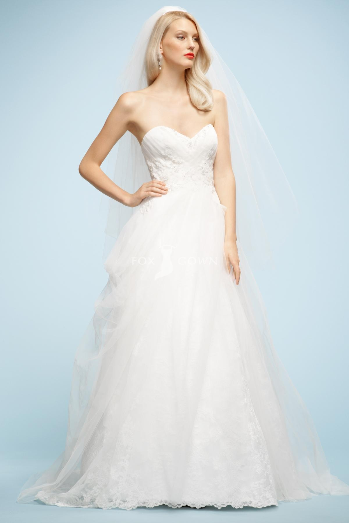 tulle sweetheart lace wedding dress with beaded bodice