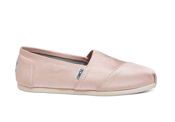cute pair of TOMS