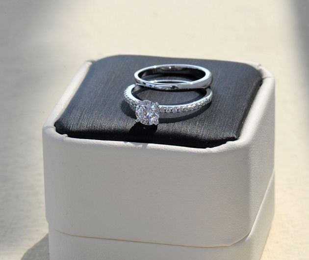 1 Ct Halo Solitaire Cubic Zirconia Engagement Ring