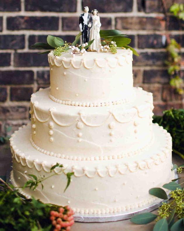 Vintage 2 Tier Wedding Cake White