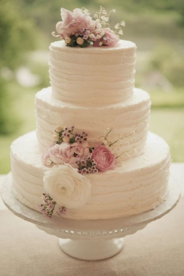 Vintage Wedding Cake White