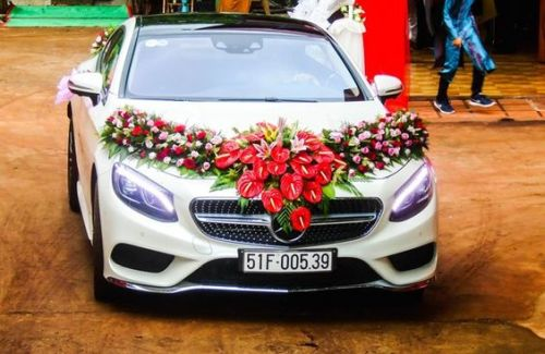 Mercedes S Class Coupe Wedding Decoration Ideas With Flowers