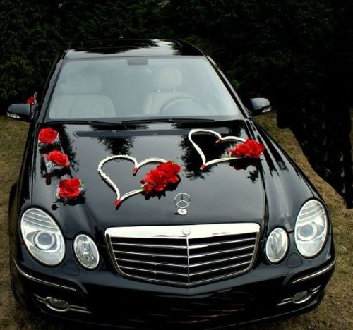 Wedding Car Decoration Ideas With Love Sign And Red Flowers