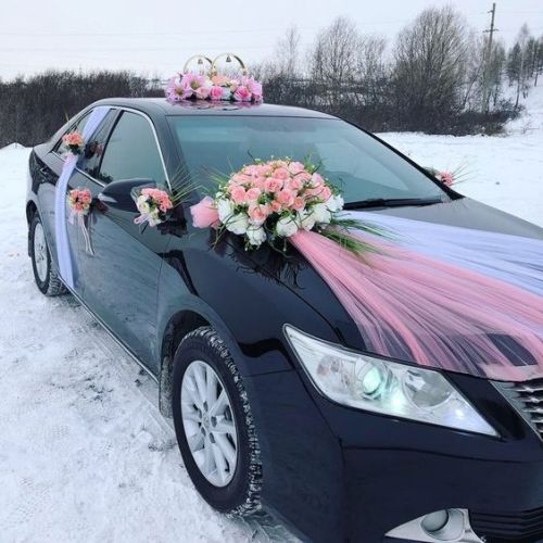 Winter Wedding Car Decoration Ideas With Flowers