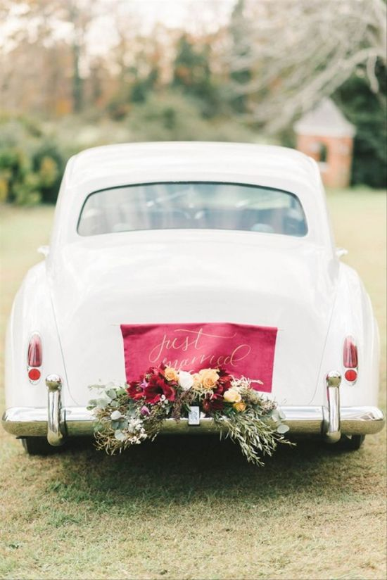 Unique Wedding Car Decoration With Fabric Sign