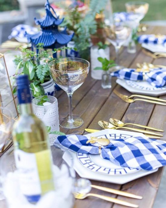 Wedding Tablescape With Checkered Napkins With Gold Rings