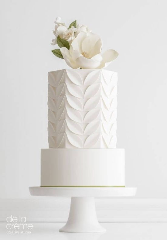 Wedding Cake Décor With Art Deco-Inspired Fondant