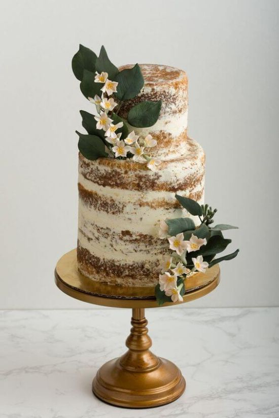 Wedding Cake Décor With Fresh Florals