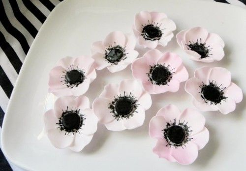 Cute White Edible Wedding Flowers