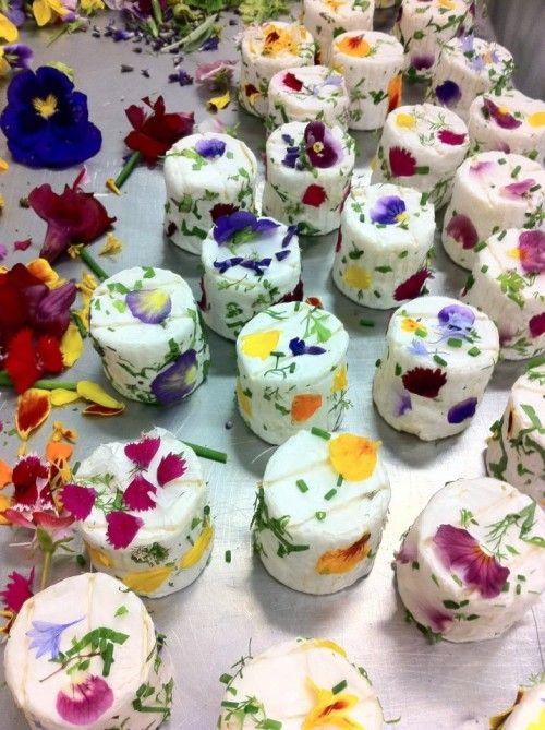 Small Wedding Cakes With Edible Flowers