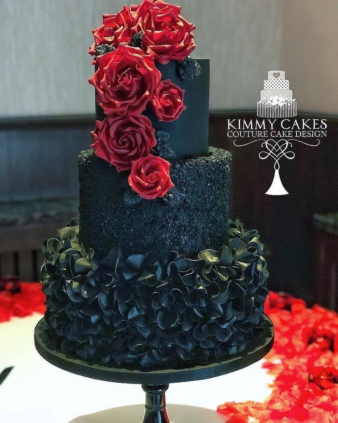Halloween wedding cakes with red roses
